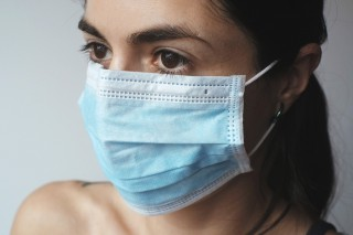 Nézzünk a maszkok mögé! – a koronavírus-helyzettel járó fejlődési lehetőségek - Pszichotrükkök
