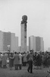 A Lenin szobor eltávolítása 1990-ben